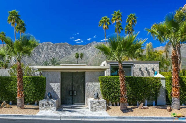 Photo of home for sale at 2497 Caliente Drive, Palm Springs CA