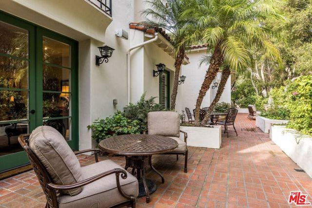 492 Monarch Lane, Santa Barbara CA: http://media.crmls.org/mediaz/1C00764D-C2D9-4408-8F8E-CA12E5D8E9EB.jpg