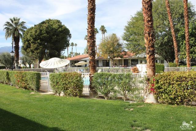 68 El Toro Drive, Rancho Mirage CA: http://media.crmls.org/mediaz/1C03F47F-E117-4F9A-A2D1-18E7E15BE4DC.jpg
