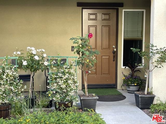 1530 W 1St Street, Santa Ana CA: http://media.crmls.org/mediaz/1C12932A-D883-4231-9719-C9351313589B.jpg