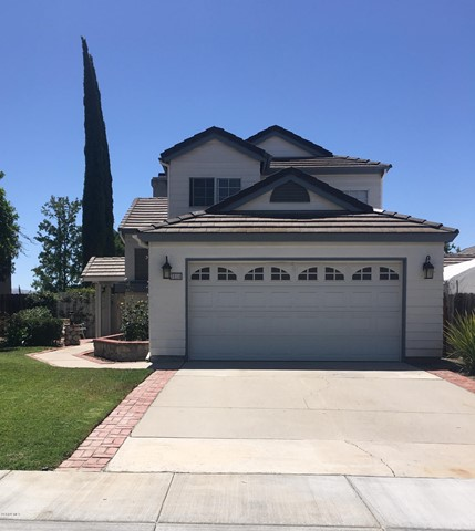 Photo of home for sale at 2810 Thicket Place, Simi Valley CA