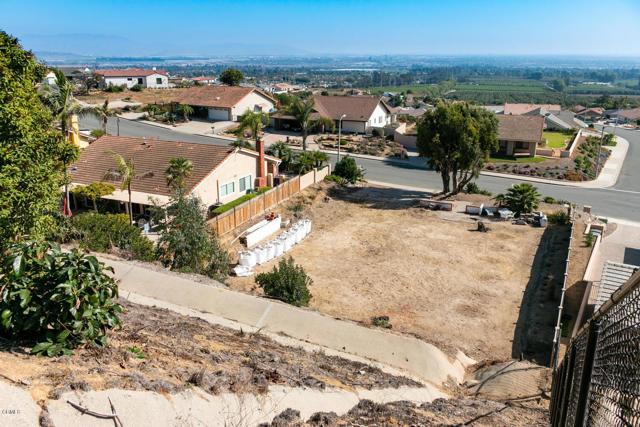 894 High Point Drive, Ventura CA: http://media.crmls.org/mediaz/1C80771B-A1AE-4585-AA60-8D8EEF20E1D8.jpg