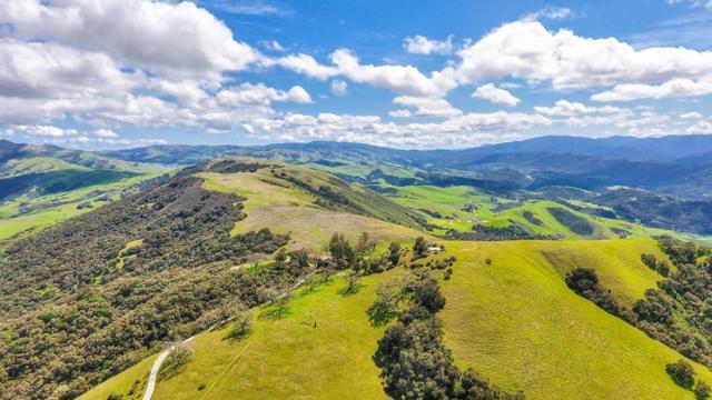 500 El Caminito Road, Carmel Valley CA: http://media.crmls.org/mediaz/1C889DD8-EE41-4A57-926D-19047C0F6D78.jpg