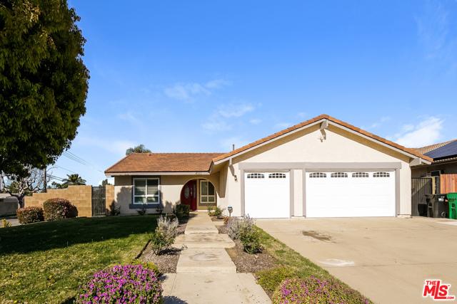 4311 Toyon Circle, La Verne CA: http://media.crmls.org/mediaz/1CCCF075-CD68-43AE-965E-170EC59F1B9B.jpg