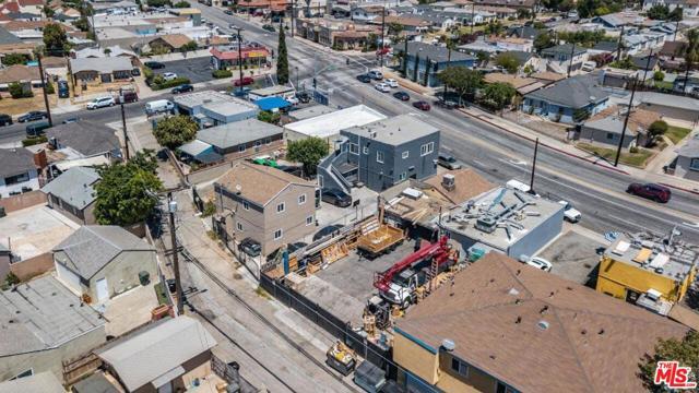 1409 W Olympic Boulevard, Montebello CA: http://media.crmls.org/mediaz/1CE3AC94-0CA4-430E-83E4-A108E40F57E7.jpg