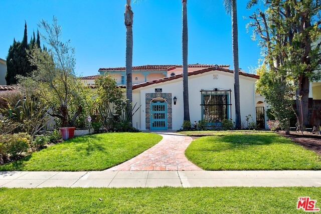 Single Family Home for Rent at 2731 Forrester Drive Los Angeles, California 90064 United States