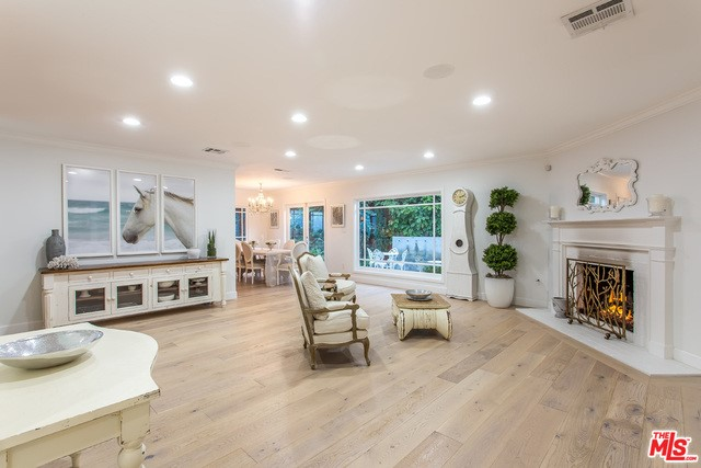 Single Family Home for Rent at 3824 Beverly Ridge Drive Sherman Oaks, California 91423 United States