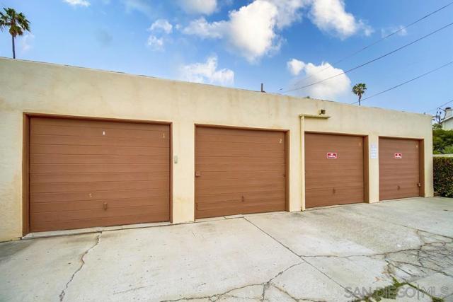 5126 38 Bayard St, San Diego CA: http://media.crmls.org/mediaz/1D452EB2-2EA9-427E-93C3-2FC8FFE94C23.jpg