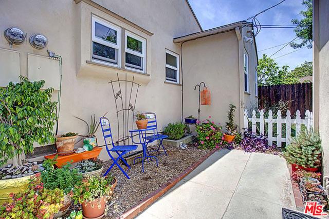 7803 FLIGHT Avenue, Los Angeles CA: http://media.crmls.org/mediaz/1D6CF7DA-5434-4F1B-A62E-2E28C5AD1A46.jpg