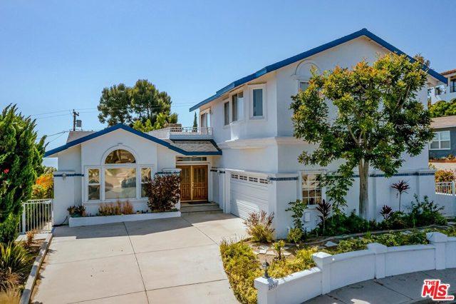 2839 El Oeste Hermosa Beach CA 90254