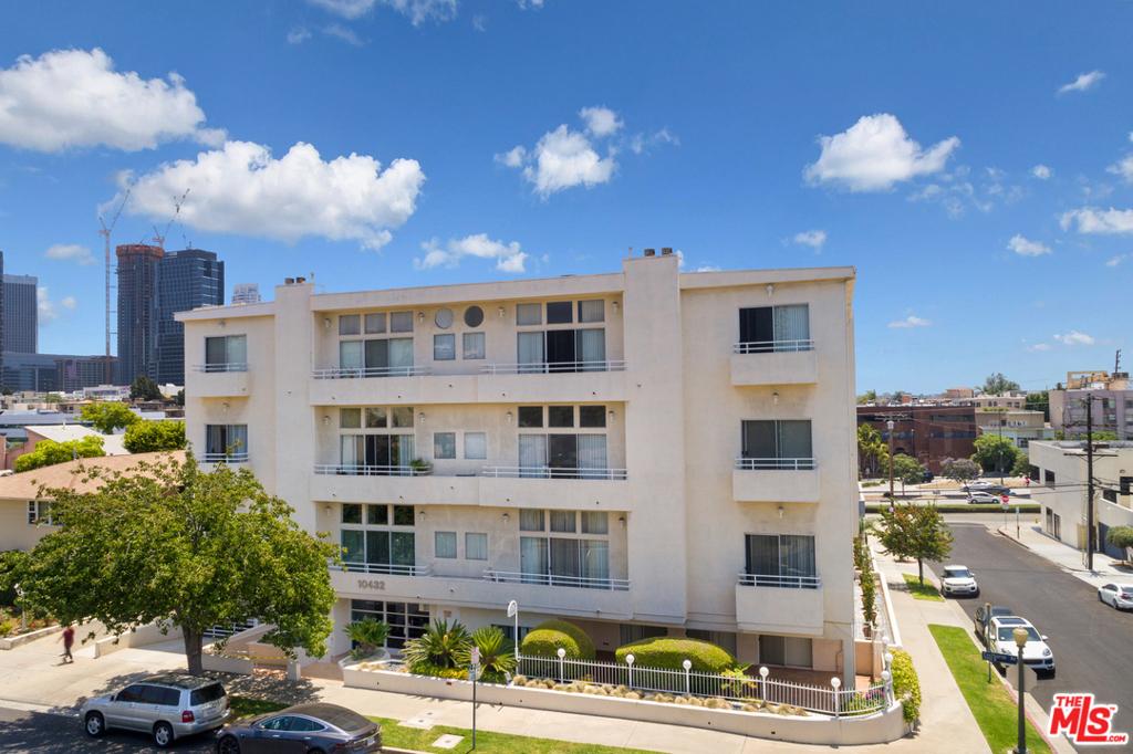 10432 Eastborne Avenue # 206 Los Angeles CA 90024