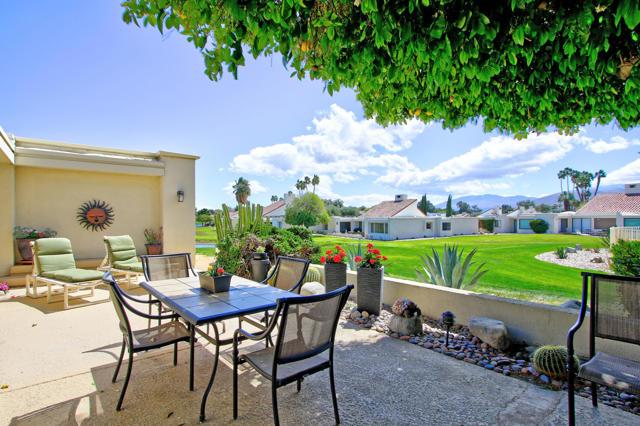 34800 Mission Hills Drive, Rancho Mirage CA: http://media.crmls.org/mediaz/1DC17623-D3FC-41C7-B3B4-D700E4699494.jpg