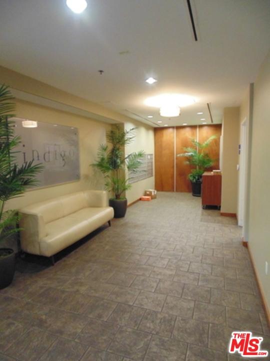 4050 Glencoe Avenue, Marina del Rey CA: http://media.crmls.org/mediaz/1DE10F01-C5E0-4404-BB29-476006C0452F.jpg