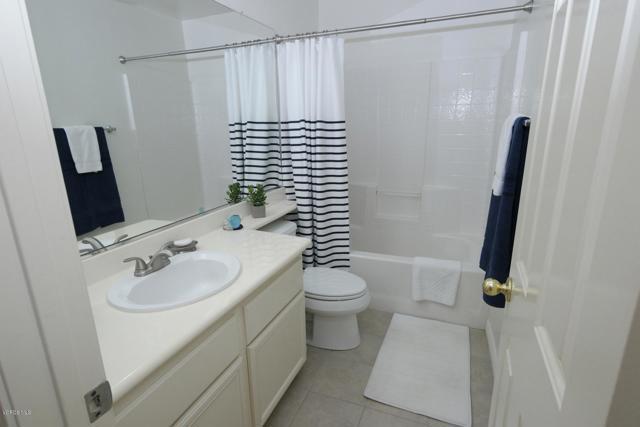 99 Greenmeadow Drive, Newbury Park CA: http://media.crmls.org/mediaz/1DE8CA46-1628-4696-8860-E9AA19AD87B1.jpg