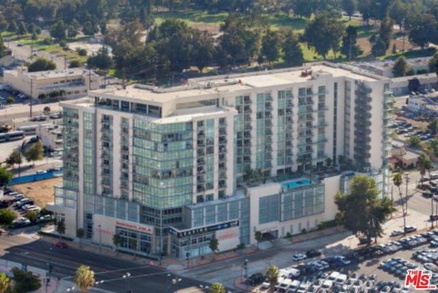 Condominium for Rent at 5440 Tujunga Avenue N North Hollywood, California 91601 United States