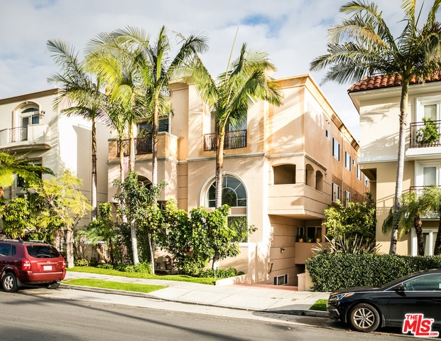 11978 MAYFIELD Avenue Unit 3, Los Angeles CA 90049