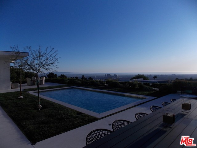 555 CHALETTE Drive #  Beverly Hills CA 90210