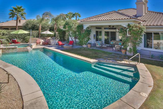 81410 Golf View Drive, La Quinta CA: http://media.crmls.org/mediaz/1E2E3E96-D8B5-46D2-AD1F-0B1E2C4E4421.jpg