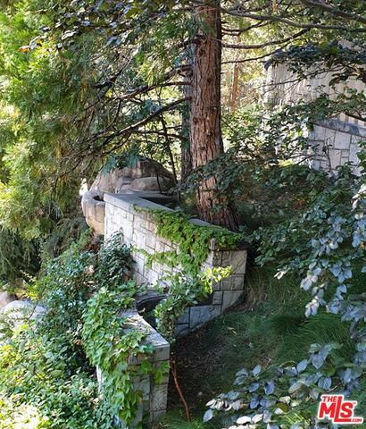27417 NORTH BAY Road, Lake Arrowhead CA: http://media.crmls.org/mediaz/1E409E31-60CD-49D8-A032-875C7873D8FF.jpg