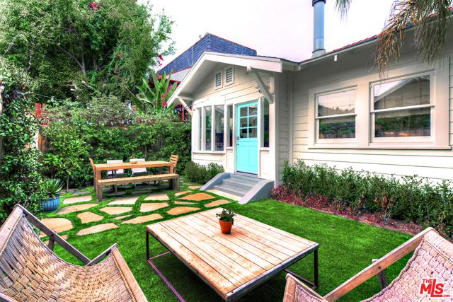 133 Park Pl, Venice, CA 90291 photo 1
