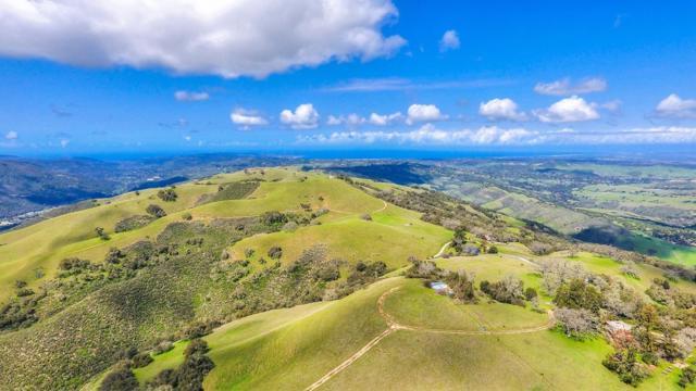 500 El Caminito Road, Carmel Valley CA: http://media.crmls.org/mediaz/1EBDFA56-89E7-4697-A781-E894DDCF0247.jpg