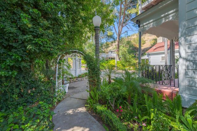 349 Renee Street, Orange CA: http://media.crmls.org/mediaz/1ED6EE27-BA06-4557-8795-C79662F04402.jpg
