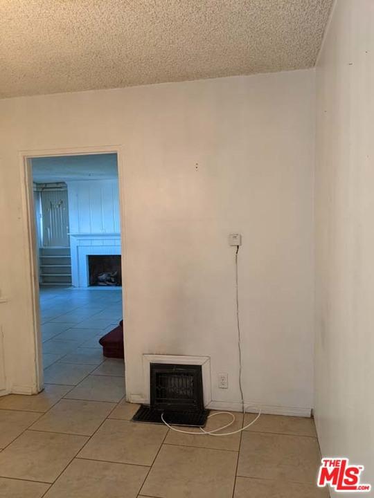332 W Laurel Street, Compton CA: http://media.crmls.org/mediaz/1ED8ECBC-569D-4E77-BA09-275A42FFFB81.jpg
