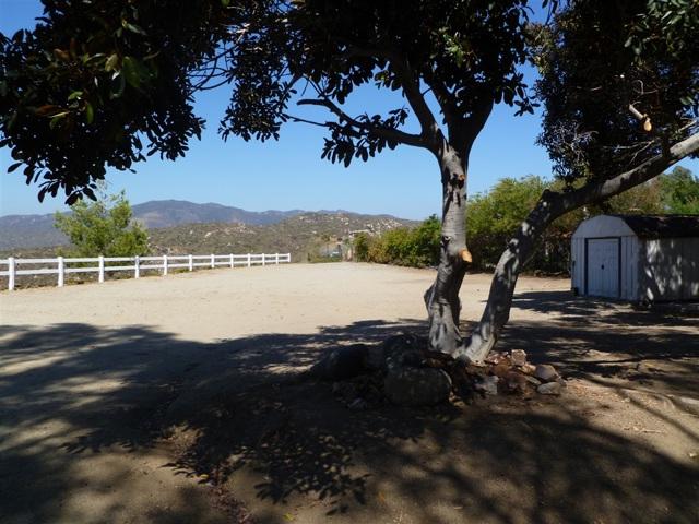 3251 Vista Cielo Ln, Spring Valley CA: http://media.crmls.org/mediaz/1EDECF0F-6080-43C0-ACA3-74BC02053534.jpg