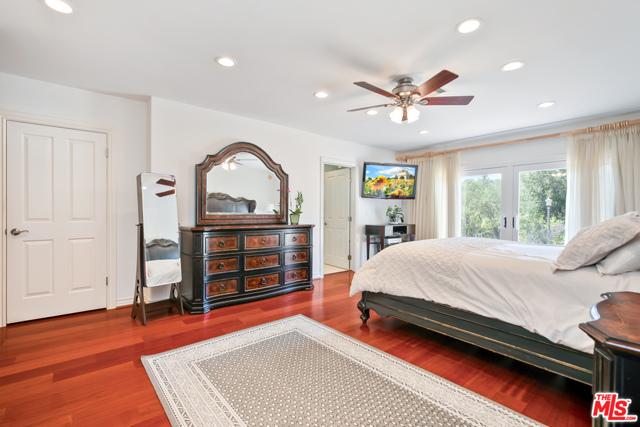 4311 Coquette Place, Tarzana CA: http://media.crmls.org/mediaz/1EF1DDFE-1CCA-4DC6-A2E7-9218D6BB9F54.jpg