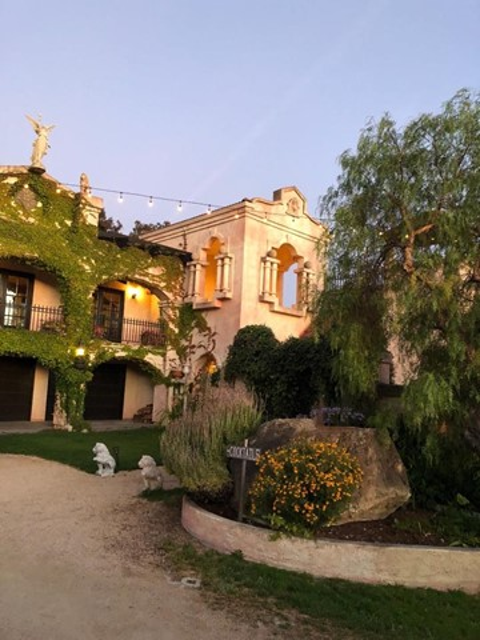 300 Country Club, Carmel Valley CA: http://media.crmls.org/mediaz/1F1AA9A0-B6BC-4EDB-956F-CA0C2E4E8B1E.jpg
