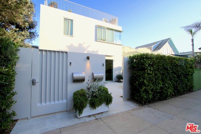36 27th Pl B, Venice, CA 90291 photo 2