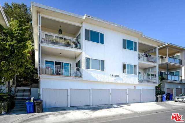 18103 Coastline Drive, Malibu CA: http://media.crmls.org/mediaz/1F2D4B3D-4324-45BE-830D-031661214B4A.jpg