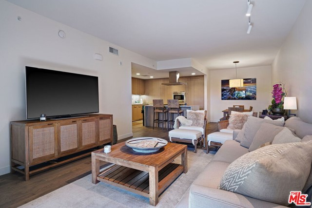 1755 Ocean Ave 308, Santa Monica, CA 90401