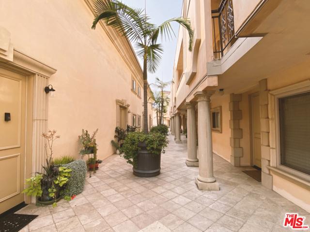 1000 S Westgate Avenue, Los Angeles CA: http://media.crmls.org/mediaz/1eb5fe60-fd81-4dd3-8f25-7cfaf3a4c17f.jpg