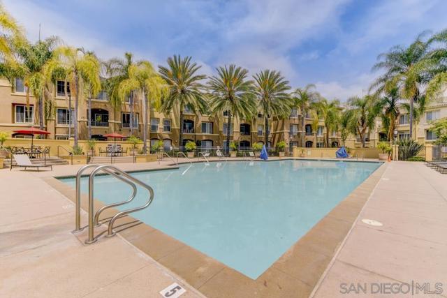 10848 Scripps Ranch Blvd, San Diego CA: http://media.crmls.org/mediaz/1f038abb-741f-4f8e-a360-aba302bd882d.jpg