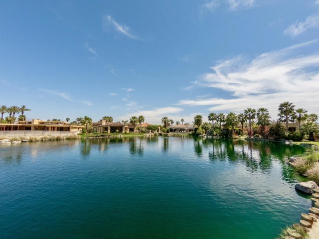 55540 Pebble Beach, La Quinta CA: http://media.crmls.org/mediaz/2040BF11-1DA1-43A3-AF3B-991CACBFA655.jpg