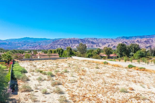 7 Mountain Vista Court, Rancho Mirage CA: http://media.crmls.org/mediaz/209F129E-283E-4F3E-A3C3-E6FAC9CCEF53.jpg