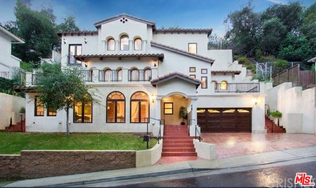 2733 Belden Drive #  Los Angeles CA 90068