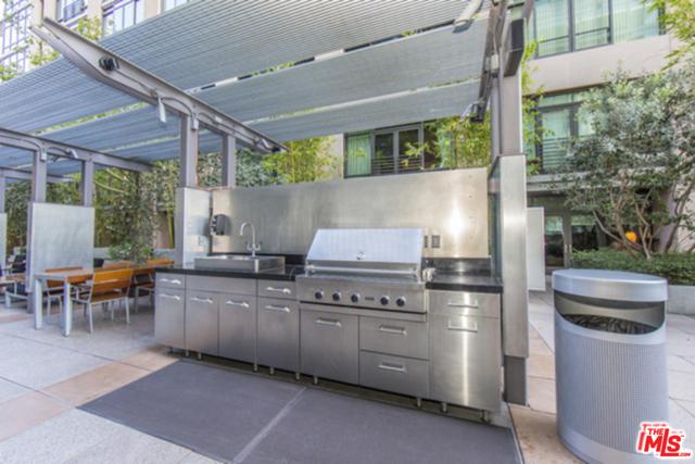 1111 S GRAND Avenue, Los Angeles CA: http://media.crmls.org/mediaz/214C140D-5813-49E4-BFE3-867D4FBBAFEF.jpg