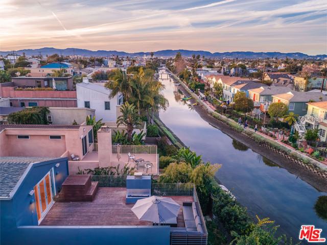 3001 GRAND CANAL, Venice, CA 90291