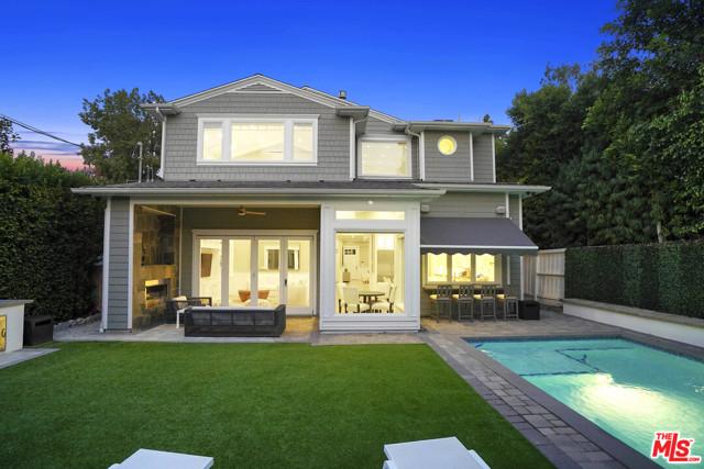 4053 Laurelgrove Avenue, Studio City CA: http://media.crmls.org/mediaz/22D32332-5BA8-4937-9C82-CD80B4943985.jpg