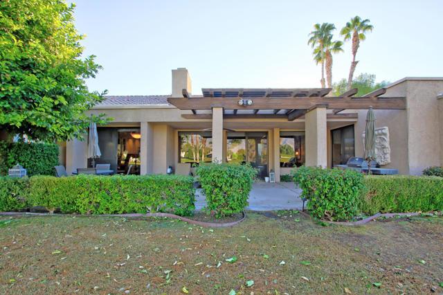 743 Inverness Drive, Rancho Mirage CA: http://media.crmls.org/mediaz/22DE7706-F109-4A09-BE0D-F7FB82C93673.jpg