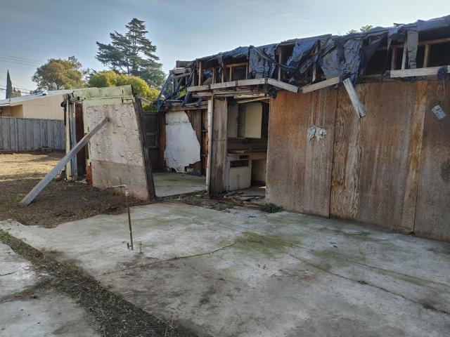 950 4th Street, San Jose CA: http://media.crmls.org/mediaz/22EC2A7B-C490-4793-AA5D-477C99AC92B1.jpg