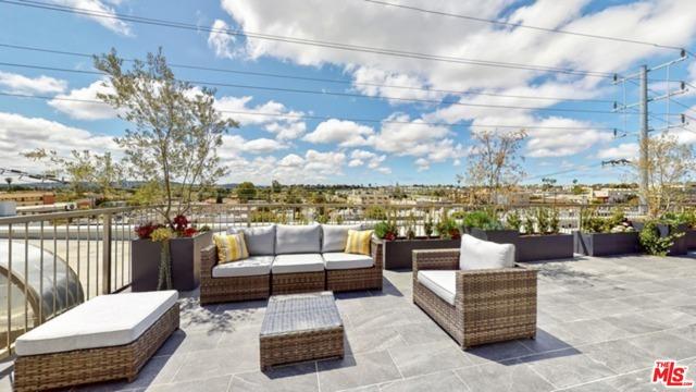 1143 Glenville Drive, Los Angeles CA: http://media.crmls.org/mediaz/2324754B-1388-4A6F-AE7D-9DBC0F2A13D8.jpg