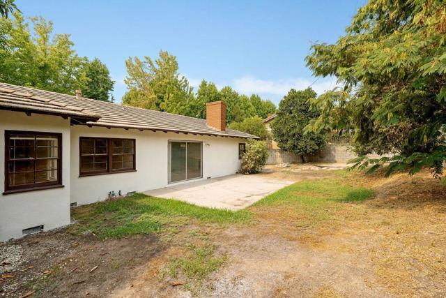 9524 Creemore Place, Tujunga CA: http://media.crmls.org/mediaz/238994FF-D8E8-4251-8329-4831331C4636.jpg