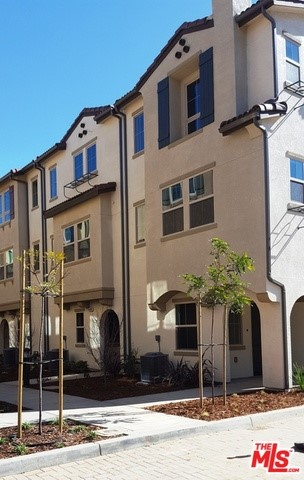 Townhouse for Rent at 14111 Spruce Lane Van Nuys, California 91405 United States