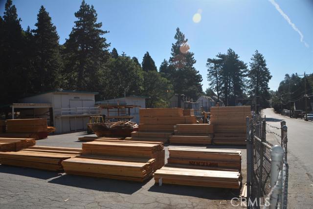 26567 Pine Avenue, Rimforest CA: http://media.crmls.org/mediaz/24167012-4BFC-46B4-B0AF-B7C2C879AD52.jpg