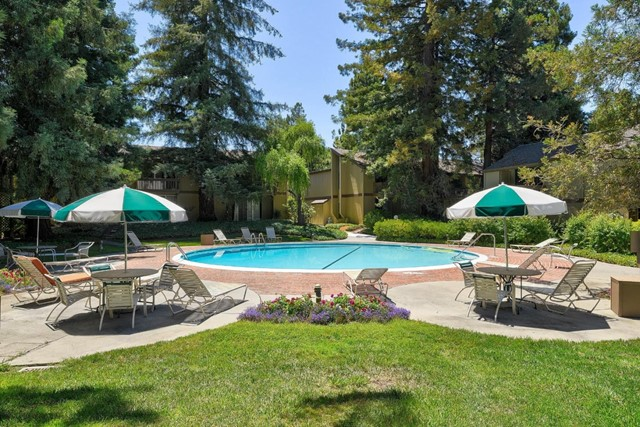 505 Cypress Point Drive, Mountain View CA: http://media.crmls.org/mediaz/2418D832-EF23-4C07-A278-E72E2EEBA520.jpg