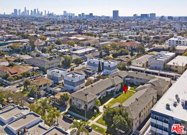 5012 CLINTON Street, Los Angeles CA: http://media.crmls.org/mediaz/244B7D15-8856-4B13-A5D5-242DFA2D5712.jpg