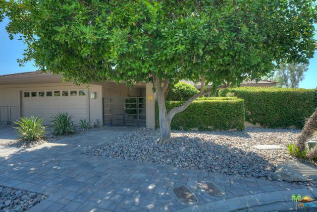 4 Wake Forest Court, Rancho Mirage CA: http://media.crmls.org/mediaz/24AD0E33-88E1-44C8-867D-4265F1CD98EE.jpg